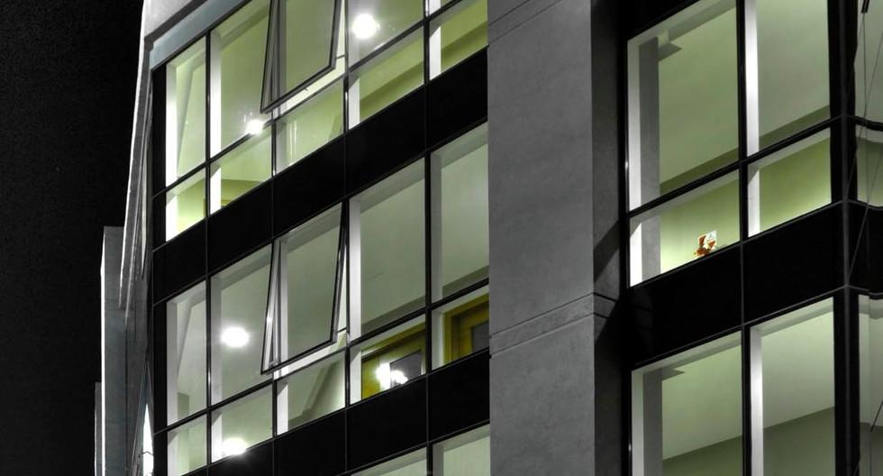 Office quatro iluminado