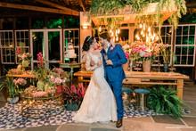 A iluminação cênica em casamentos e eventos em geral.
