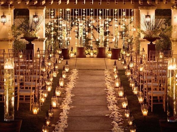 lanternas com velas na cerimônia