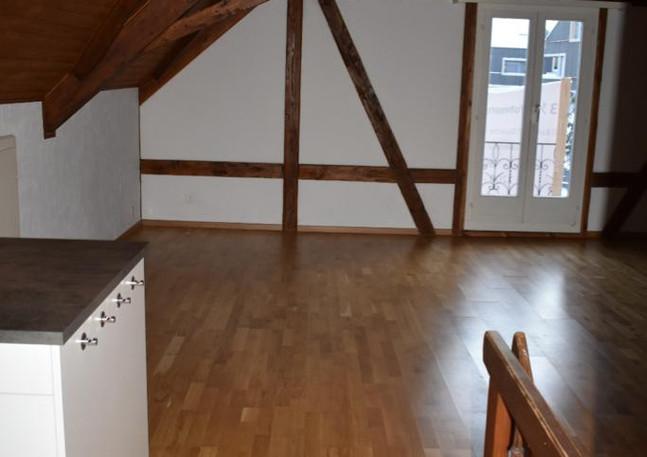 Sicht von Küche Richtung Wohnbereich / Balkon
