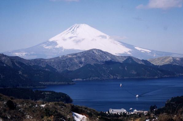 Lake Ashi_Mt.Fuji.jpg
