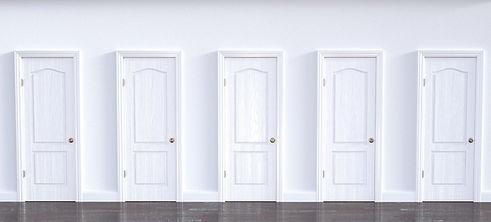 白 ドア.jpg