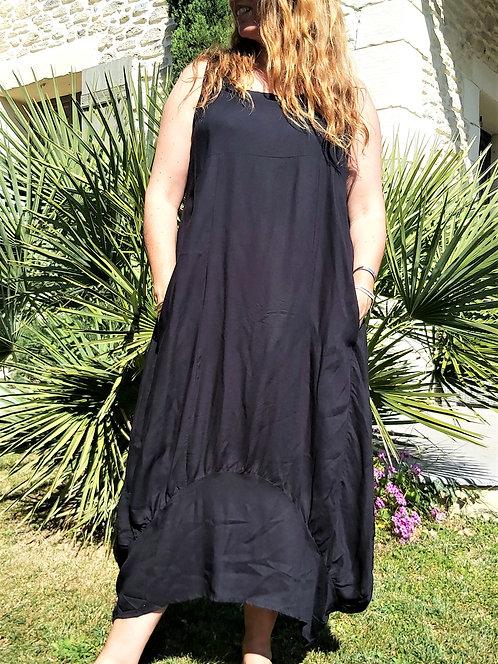 Robe Kary noire