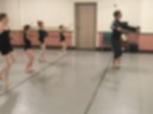 Neos Center for Dance class