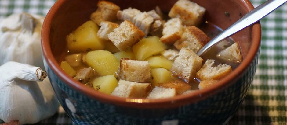 Desfrutar da gastronomia portuguesa....