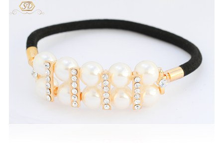 Pearl and Diamond Hair tie II