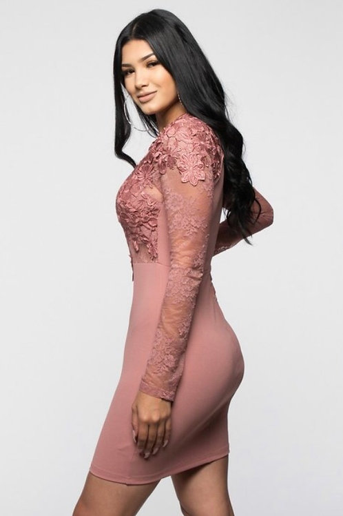 Lace in mauve dress