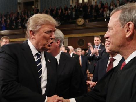 """Trump dice que la Corte Suprema es """"incompetente y débil"""" acerca del fraude electoral Fuente"""