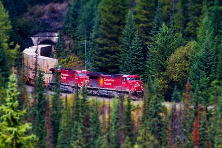 Train in tunnel TS.jpg