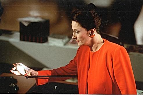 Christine Schweitzer, La Galeriste dans La Jeune Fille au Livre, film-opéra de Comolli et Bon