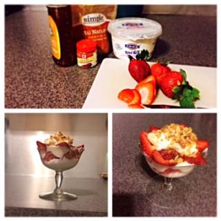 [Recipes] Greek Yogurt with Honey, Cinnamom and Natural Granola