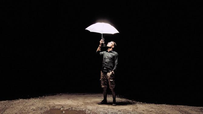 Ouvrez le parapluie divin