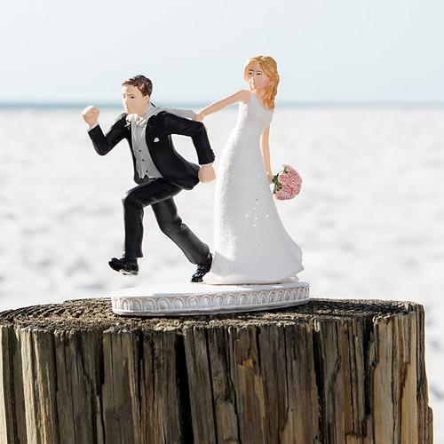 Amanda + Robert Hilton CLWB Intimate Wedding