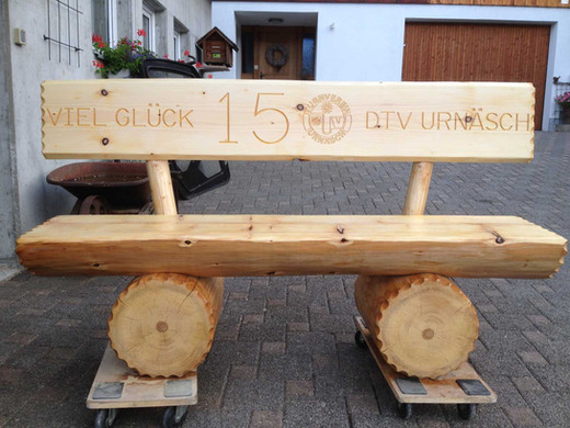 Holzbank-8.jpg