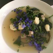 SW-Biohof-Suppe-mit-Blumen.jpg