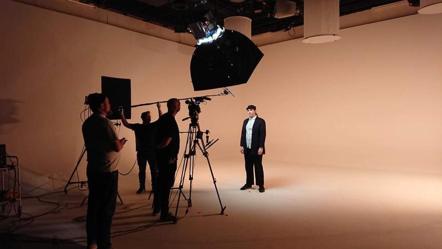 19. Marts. 2019: Video-optagelse ved Warner Brothers.