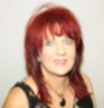 Hanlie Profile (1)_edited blur.jpg