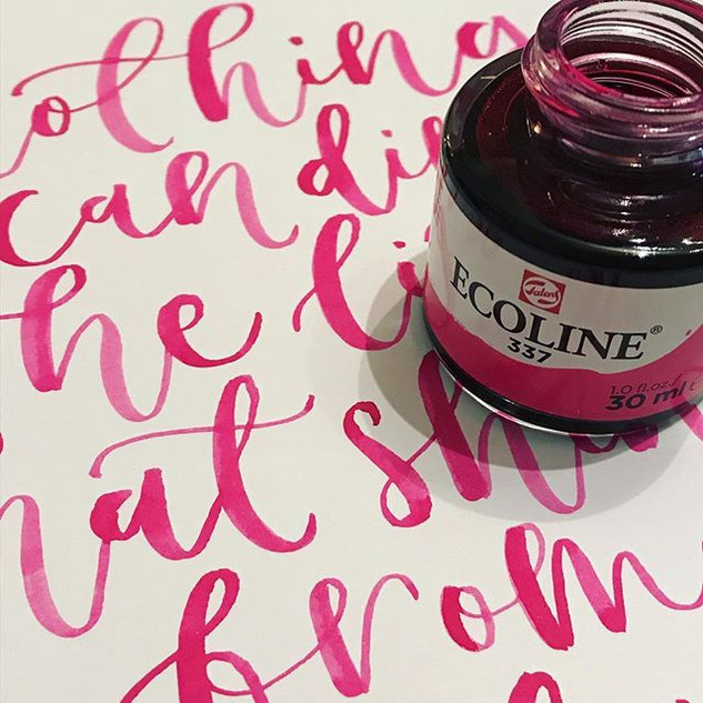 Ooooh my new #ecoline 337 ink is rather