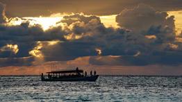 Un soir sur la Terre aux Maldives