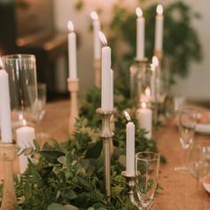 פמוטים ונרות