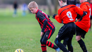 The FAW bans smoking at children's games
