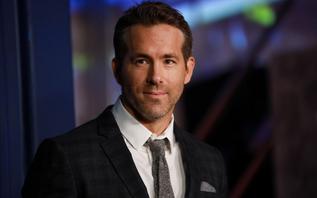 Ryan Reynolds and Rob McElhenney in Wrexham takeover bid