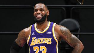 Fanatics lands NBA trading card contract