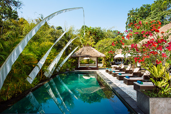 villa-maya-retreat-pool-and-garden