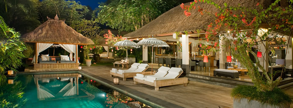 Maya-Retreat-pool-and-deck-at-night