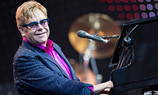 Elton John a failli mourir!