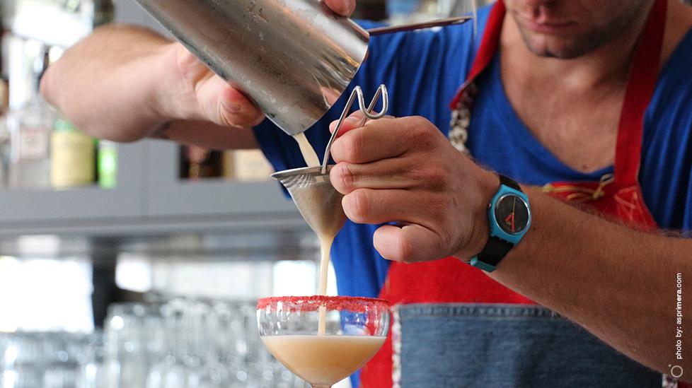 Yiannis Samaras, bartender