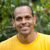 Ross Gay asks: What eyes does your poem have?