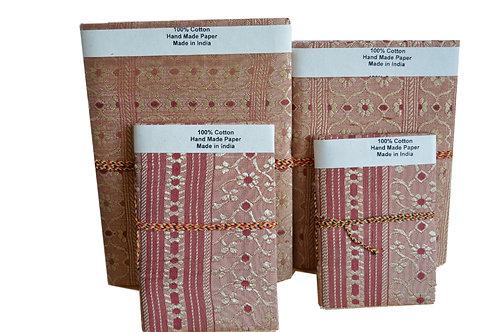 Traditionell hergestellte Set von 4 Notizbücher-01