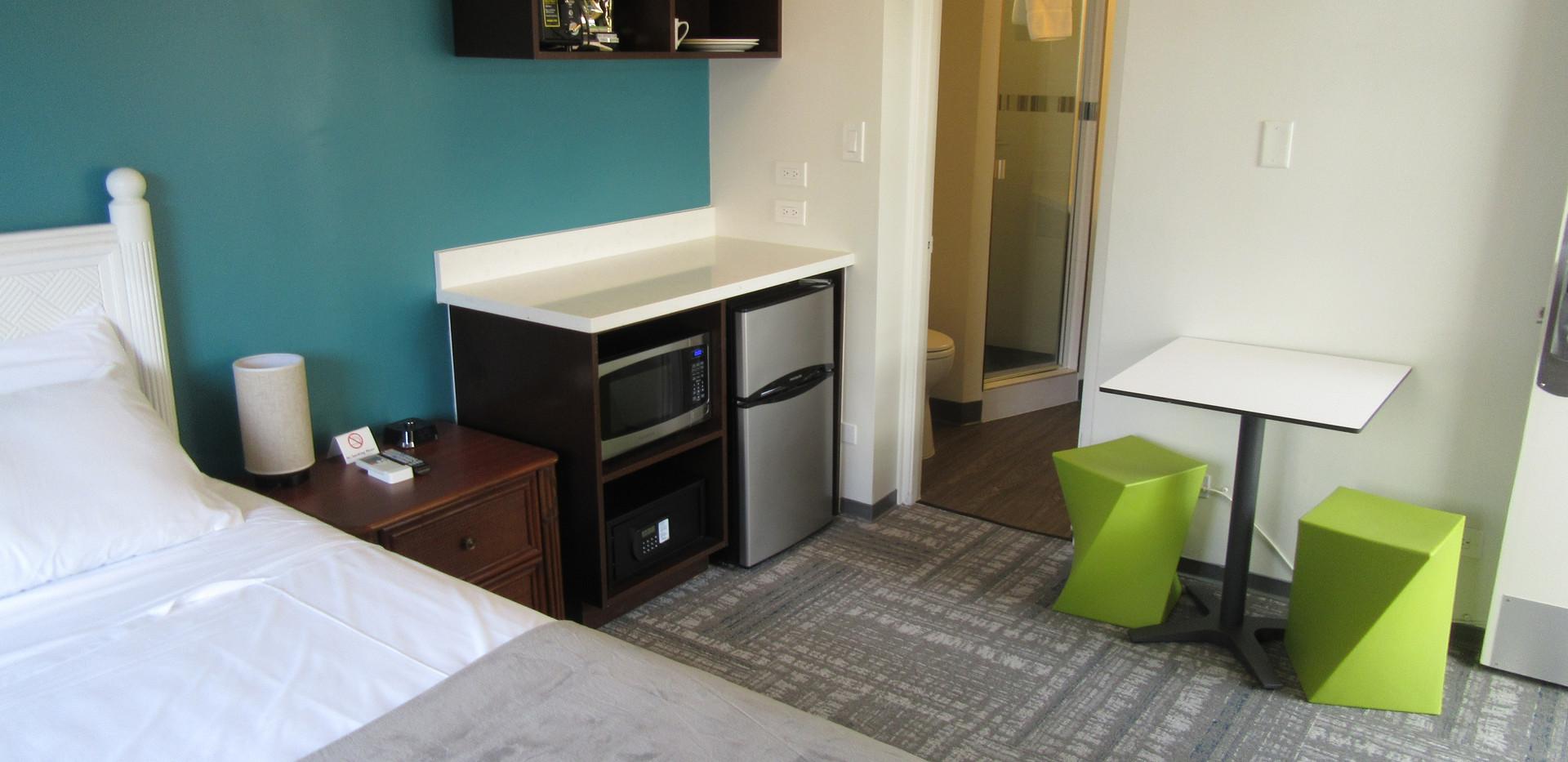 kitchen 1 queen bed room