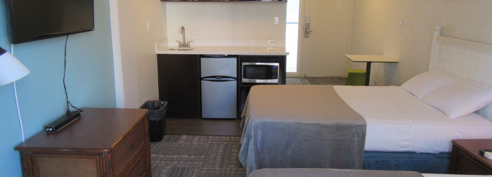 Standard Two Double Bed Room (2)