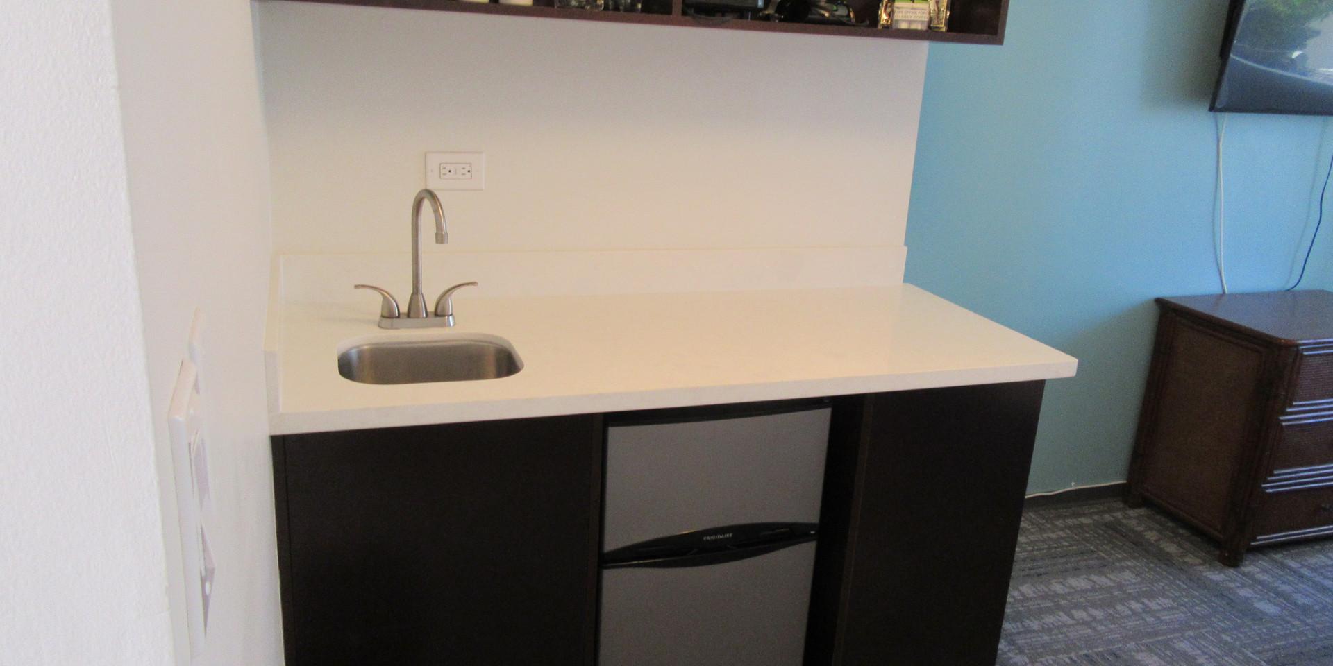 1 king bedroom kitchen