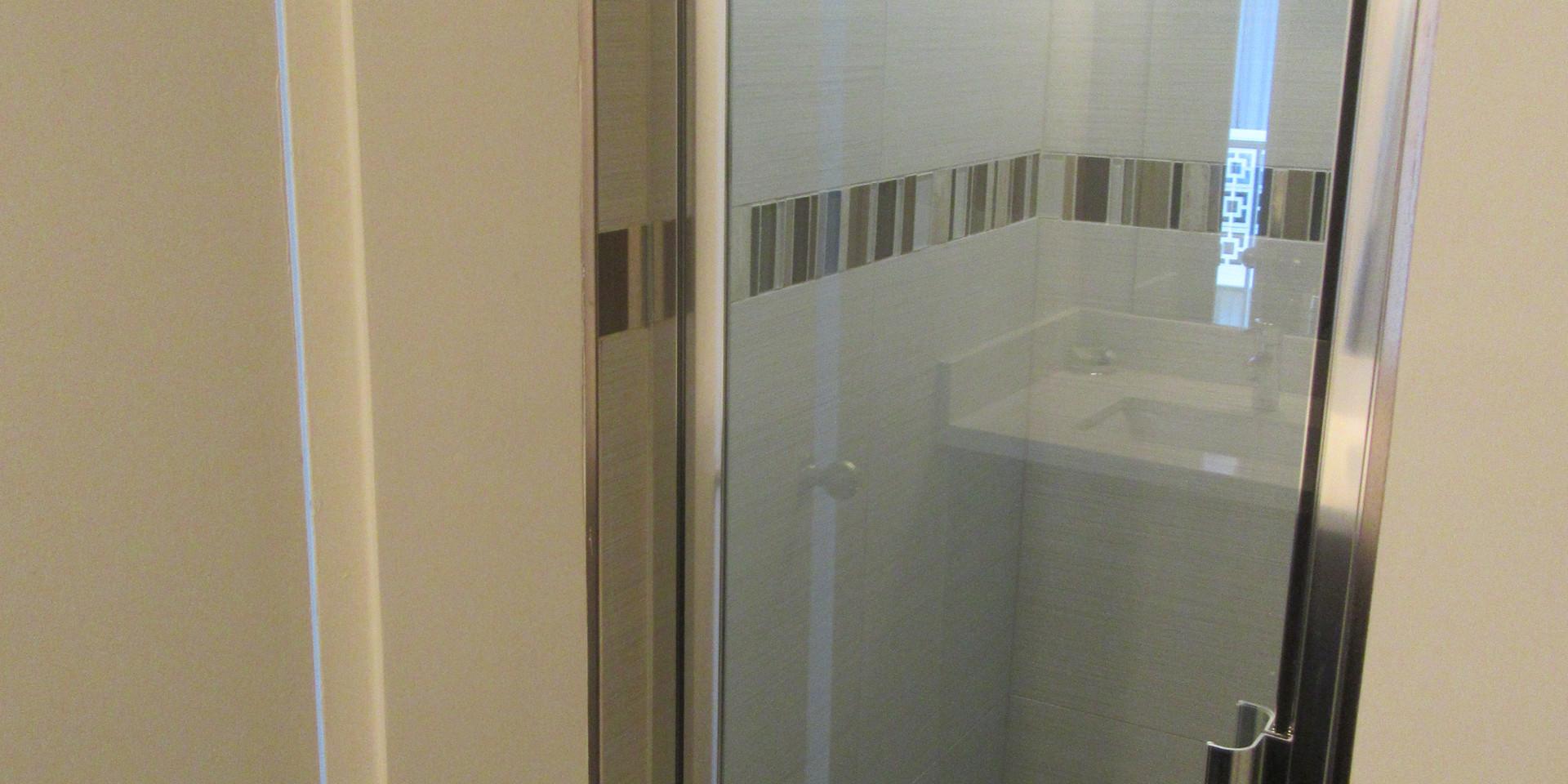 1 King bedroom bathroom (2)