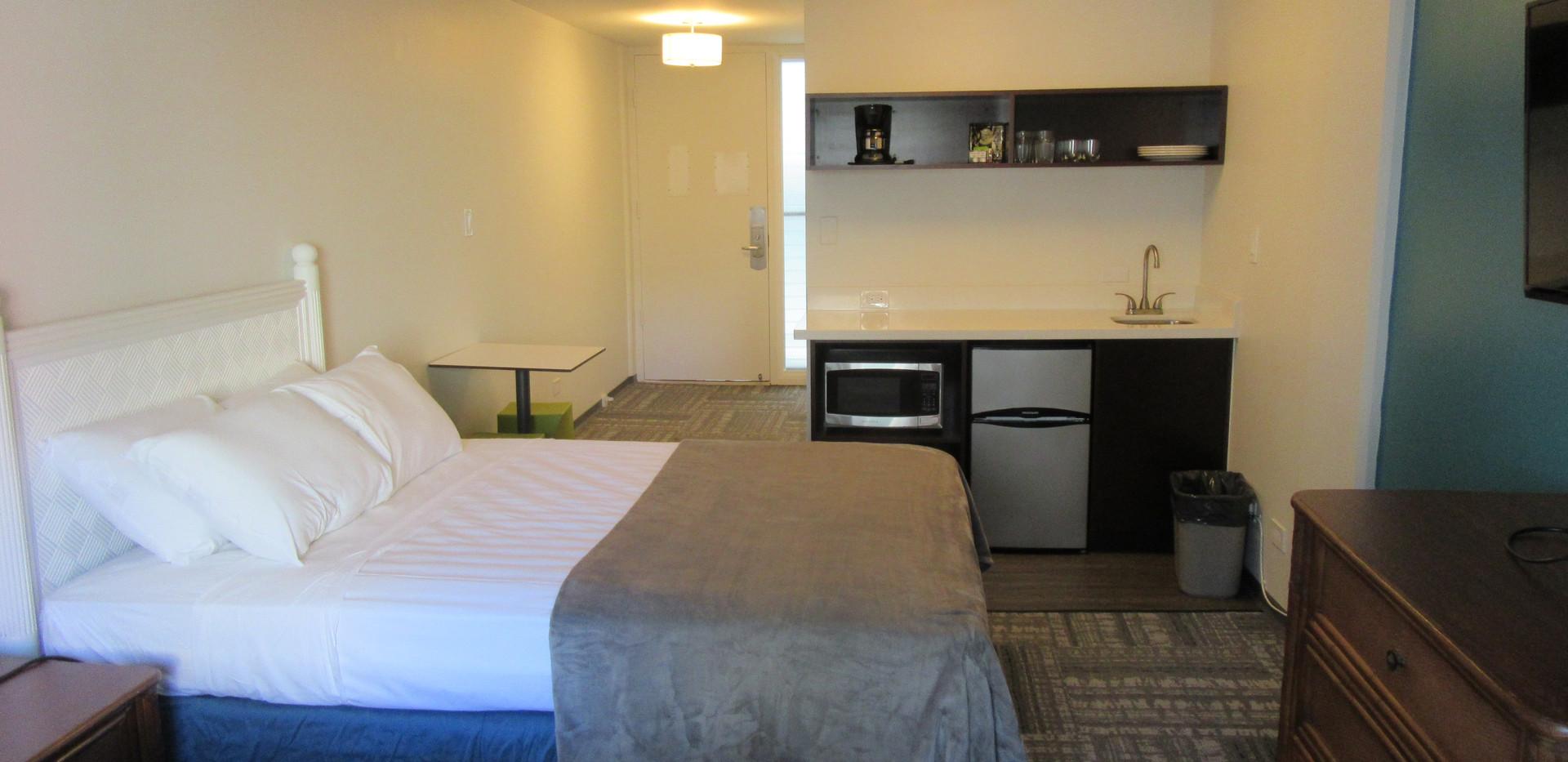 Standard Two Queen Room (2)