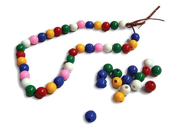 Collar de perlas plásticas