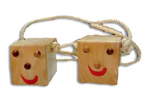Zancos en madera