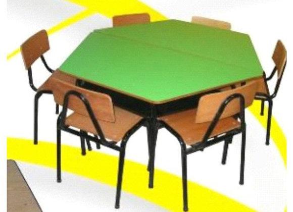 Mesa trapezoidal (1 mesa - 3 sillas)