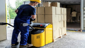 What is a Walkie /Rider Pallet Lift Truck?