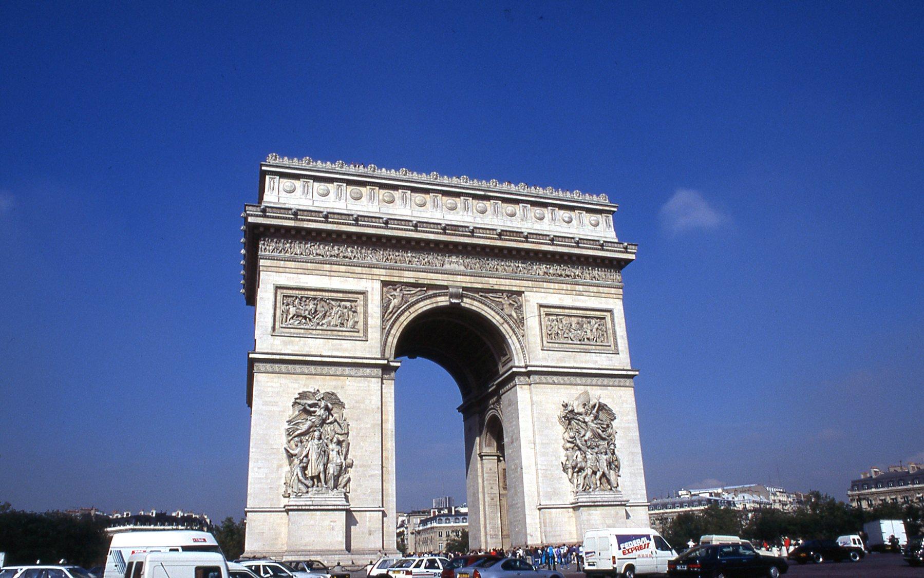 Arc d' Triomphe