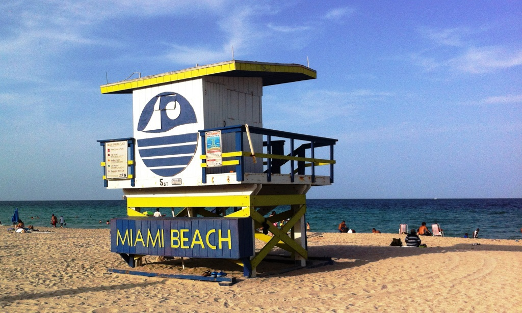WELCOME TO MIAMI BEACH !