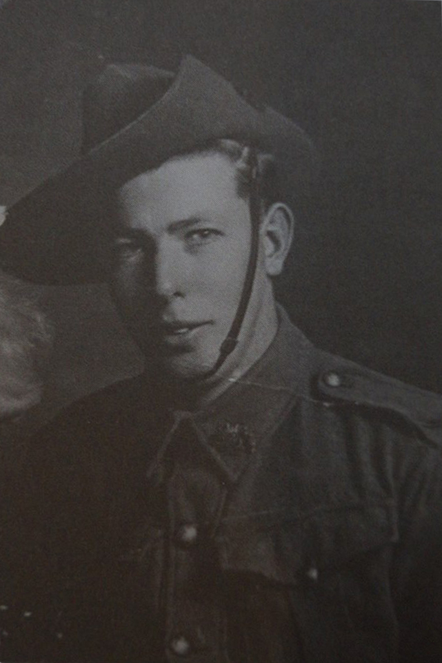 Pte. Wallace, Denis Ronald TX4097