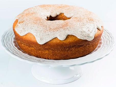 Vó Alzira comemora aniversário com bolo Mágico de Iogurte