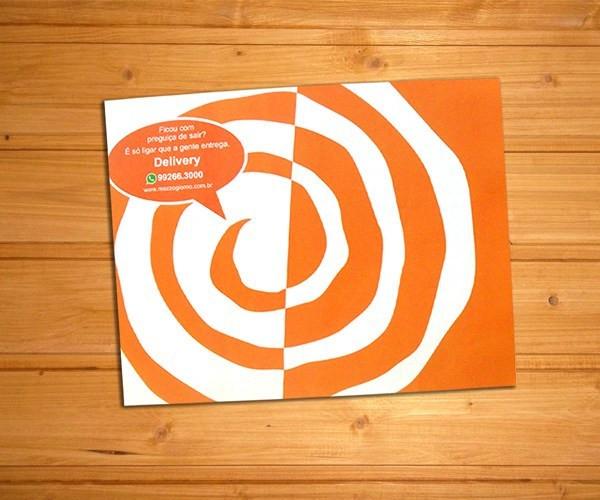Papel-bandeja-delivery-laranja-branco-1.