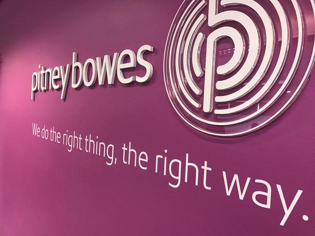 Sinalização de escritório corporativo   Pitney Bowes