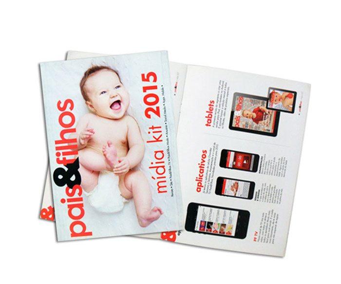 Revista-familia-foto-bebe-titulo-vermelh