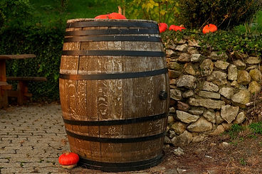 wine-barrel-1772439_1920.jpg